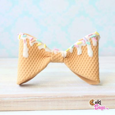 Waffly BOW TIE with white chocolate topping