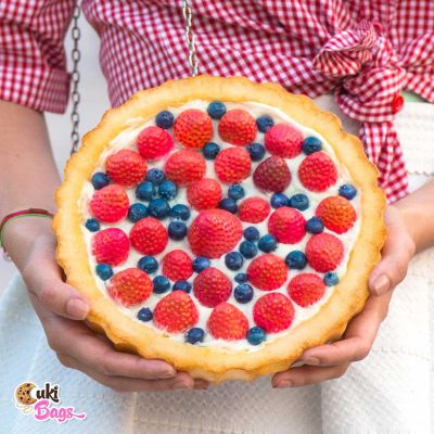 STRAWBERRIES & BLUEBERRIES FRUIT TART CLUTCH